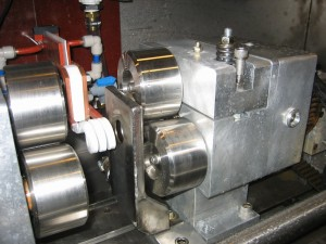 Induction Hardening Tri-Wheel Feeding Mechanism
